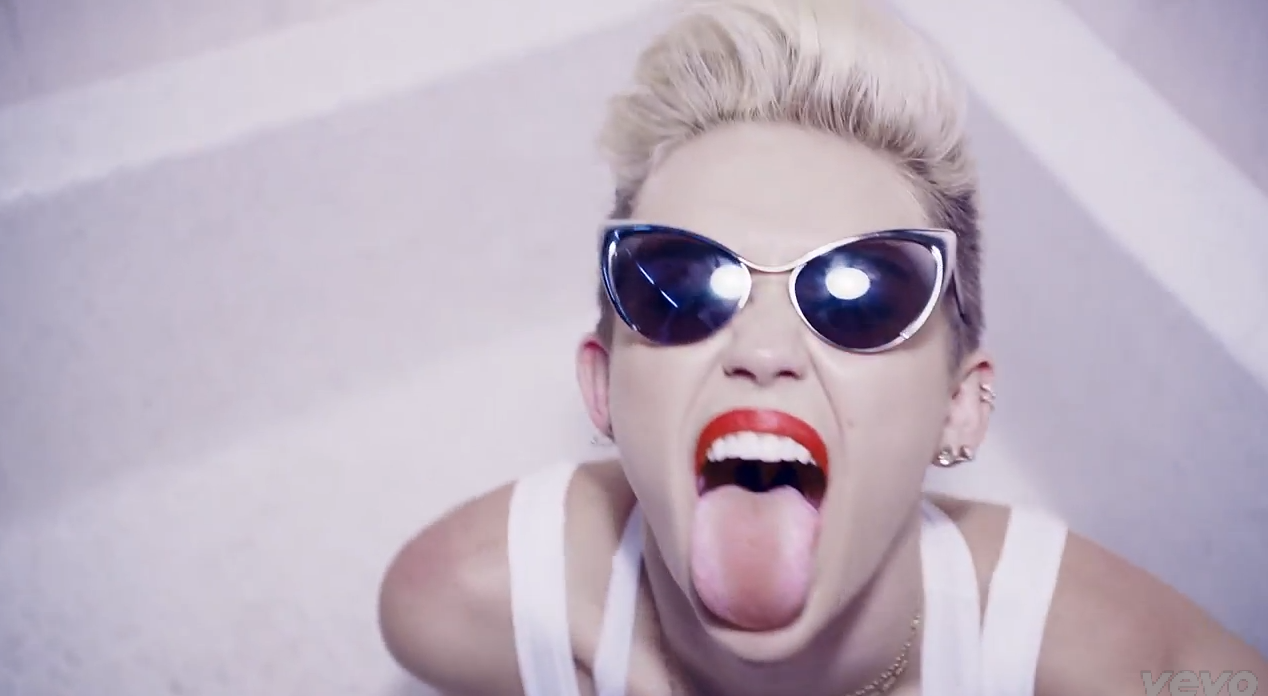 miley cyrus tongue porno